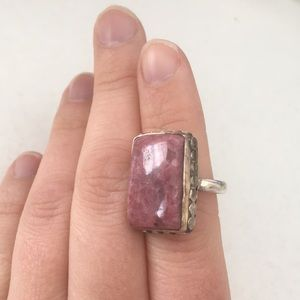 Jewelry - Metal cocktail ring with large pink stone